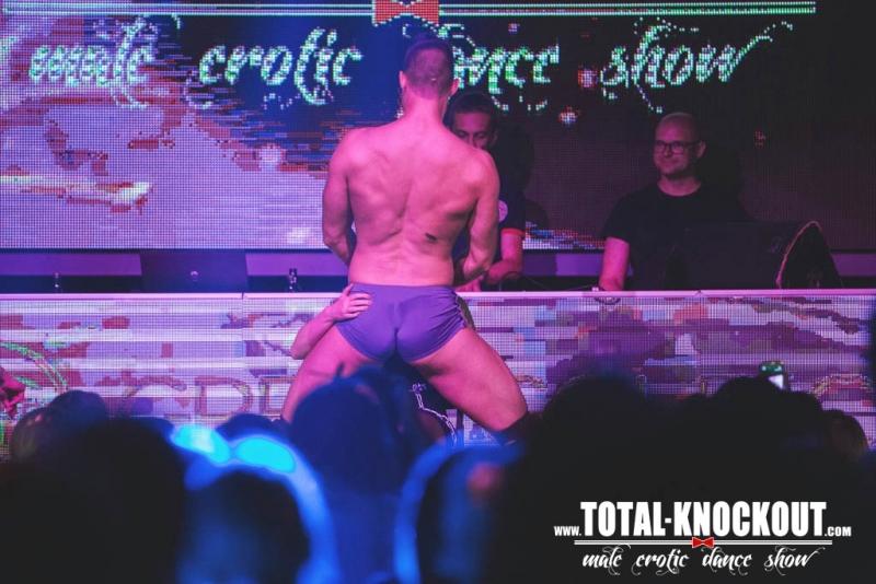 moski striptease